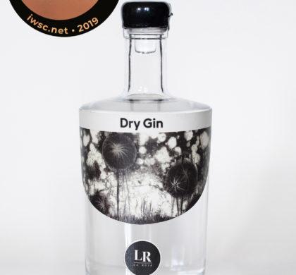 Région – Un gin de Pompaples primé à Londres!
