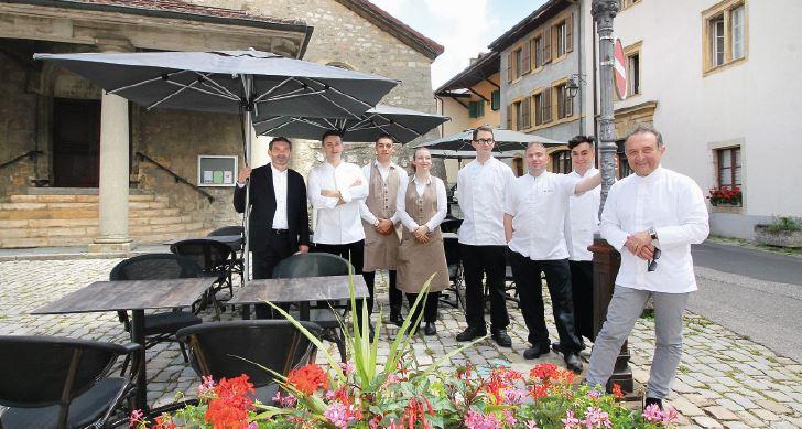 Cossonay, Carlo Crisci ouvre une terrasse