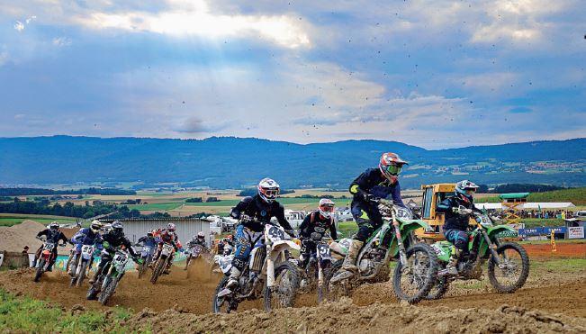 La Chaux, week-end de motocross.